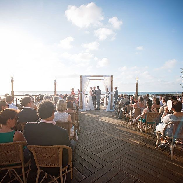There are beautiful waterfront restaurants which will take your wedding related stress away! The Cayman Islands is the most romantic honeymoon destination which allows you to relax and explore the beautiful island along with finest wine and seafood delicacies. #caymanwedding #beachwedding