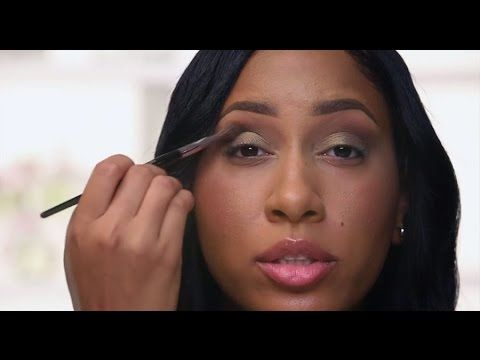 Learn how to wear any flawless eye look with these technique and brush placement tips from a #Sephora PRO Artist. #makeuptutorial