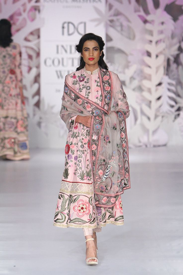 Complete collection: Rahul Mishra at India Couture Week 2017