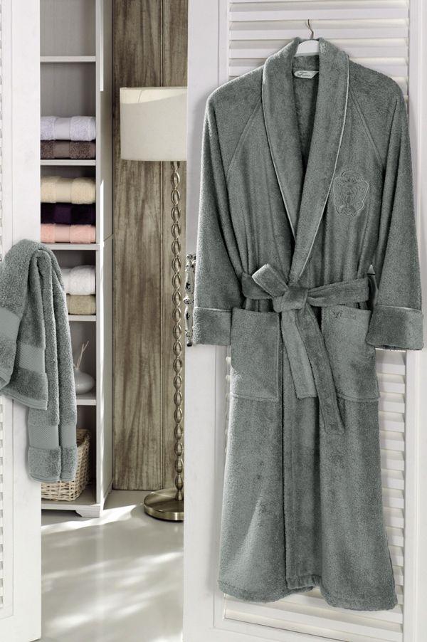 Modalowe szlafroki unisex dla kobiet i mężczyzn, ekstra chłonne i miękkie, gwarantujące maksymalny komfort i przyjemność po kąpieli oraz podczas wypoczynku. Modalowe szlafroki DELUXE wykonane są z modalowego włókna i czesanej bawełny w proporcjach 30% modal i 70 % bawełna. Te wyjątkowo wysokiej jakości szlafroki są jedwabiście miękkie i mają naturalny połysk, który się nie spierze w trakcie użytkowania. Modal jest 50 % bardziej chłonny od bawełny i ma szybkoschnące właściwości.