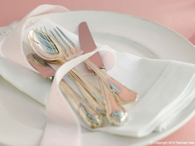 Sandra Kamiski  #pretty place setting #silver cutlery #wedding setting #white china # ribbon