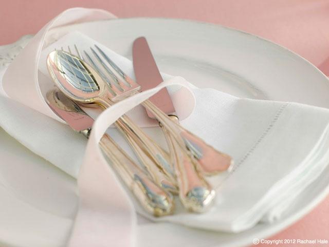 Sandra Kamiski  #pretty place setting #silver cutlery #wedding setting #white china # ribbon