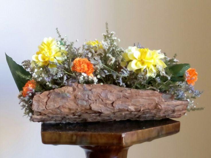 Escorça combinada amb flors variades