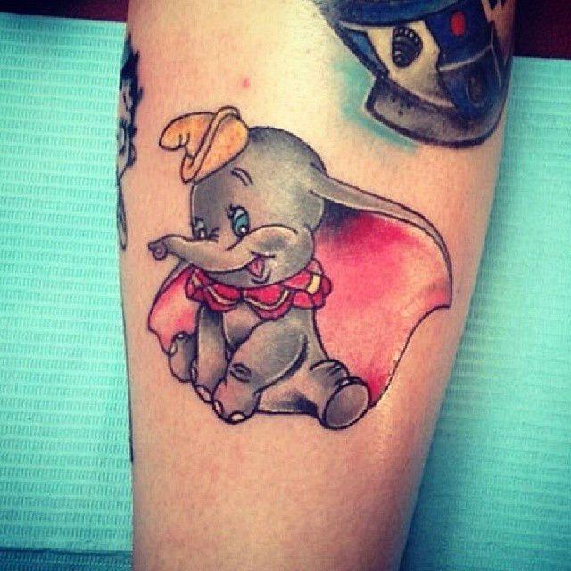 tatuajes pequeños disney dumbo