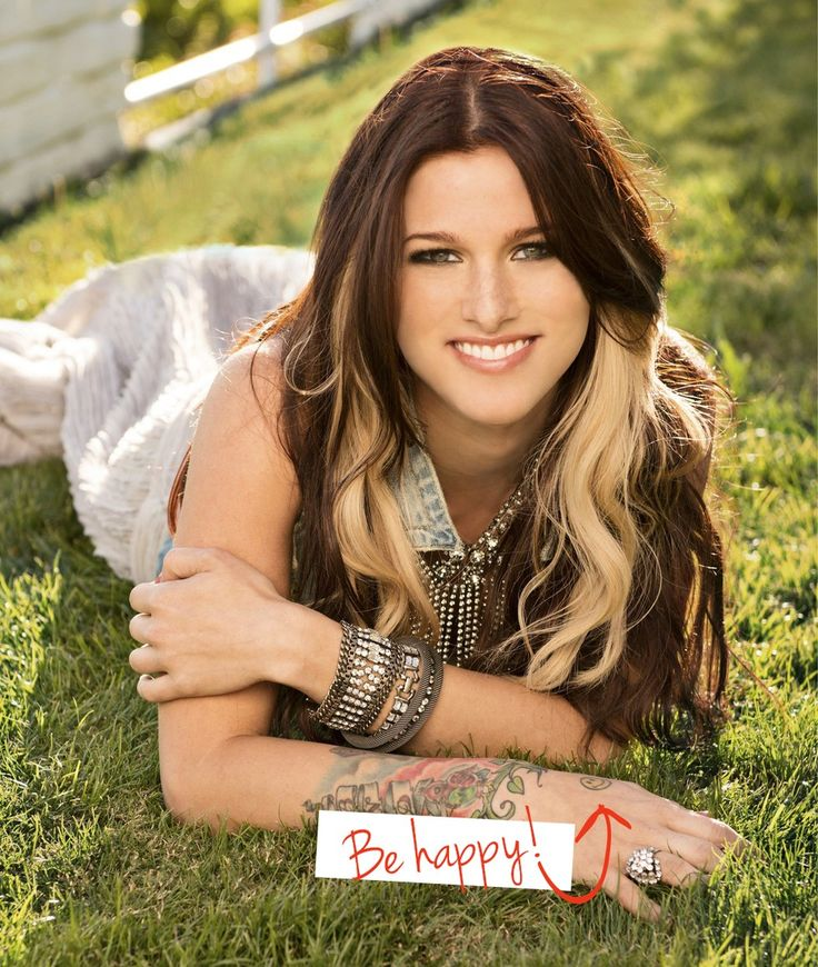 Style Inspiration: Cassadee Pope - One Country