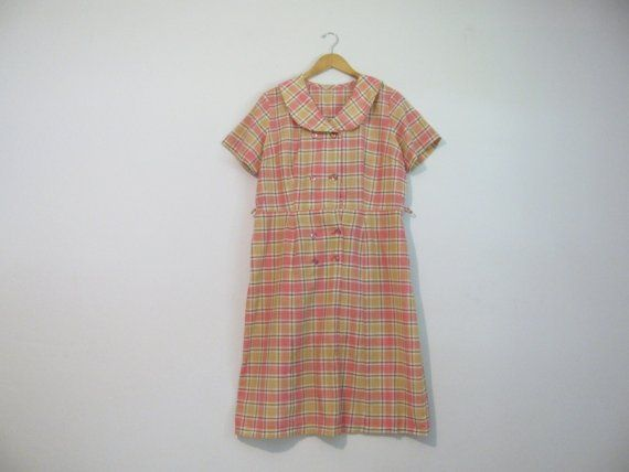 vintage. plaid. pink beige green. double breasted. peter pan