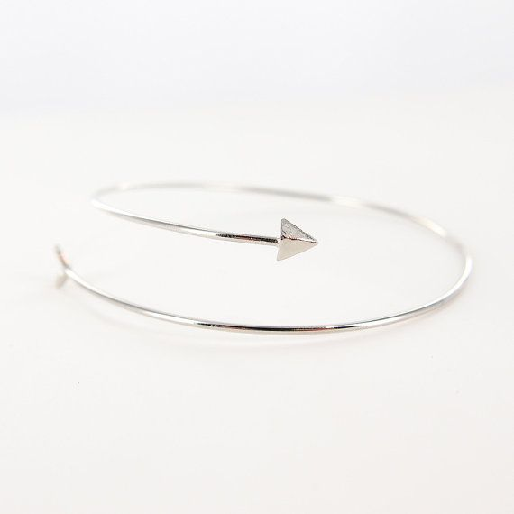Zarte dünne Pfeil Armreif Silber / dünne Pfeil Armband / zarte