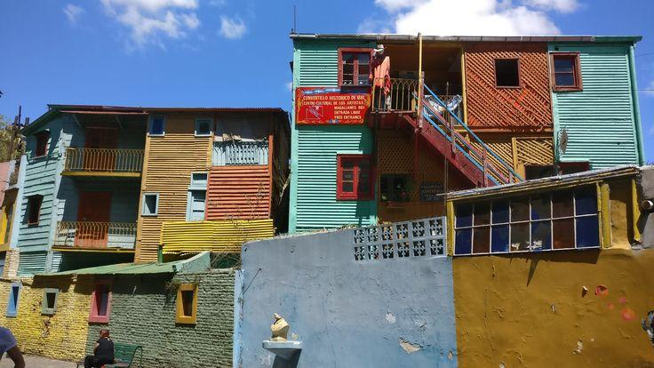 Яркий, неповторимый и немного опасный район Ла-Бока. Аргентина, Буэнос-Айрес