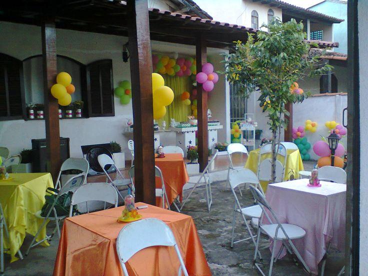 Festa Jardim /Enfeite das mesas de convidados