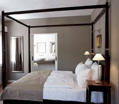 Hotel Deal Checker - Nimb Hotel
