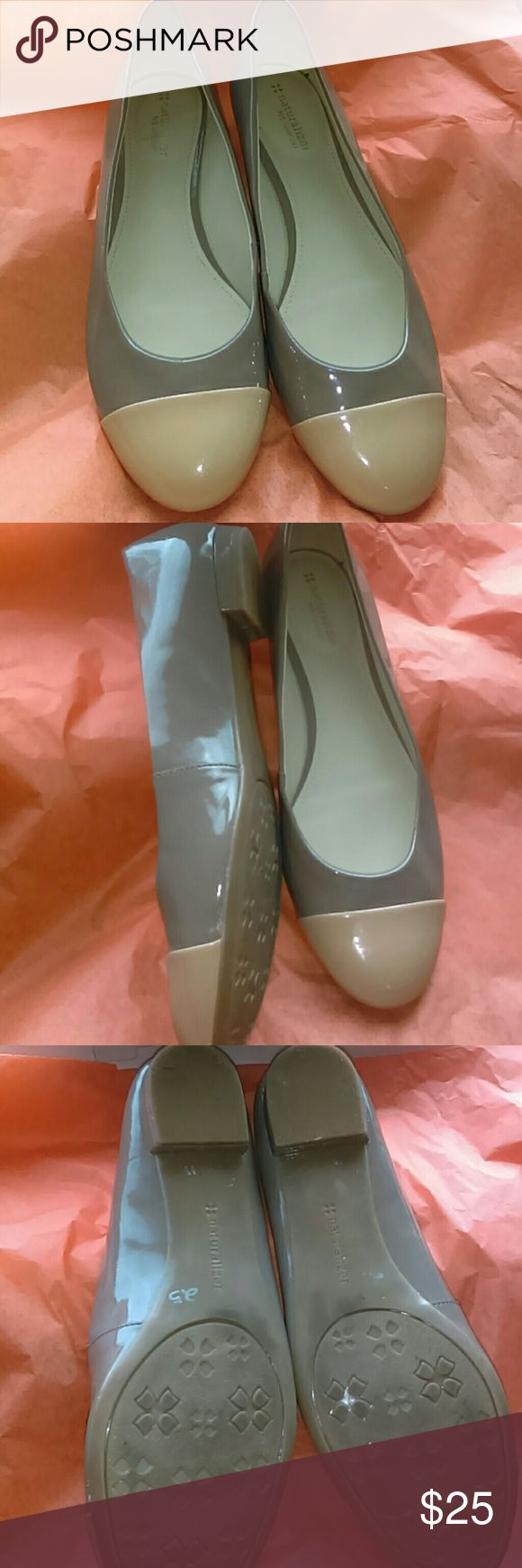 Two tone patent leather flat Naturalized comfort Size 11 Two Tone Flat Ladies shoes, gently worn Naturalizer Shoes Flats & Loafers
