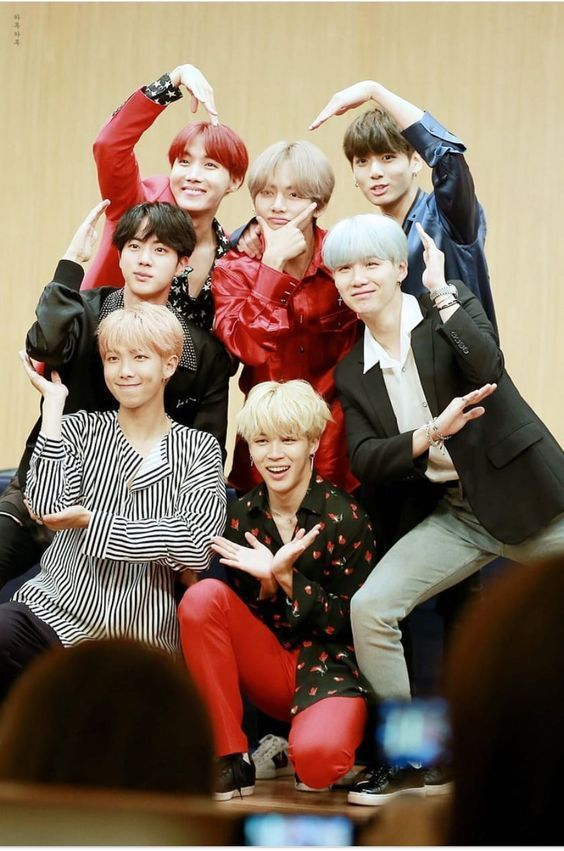 Social Life | just bts things in 2019 | Bts group photos