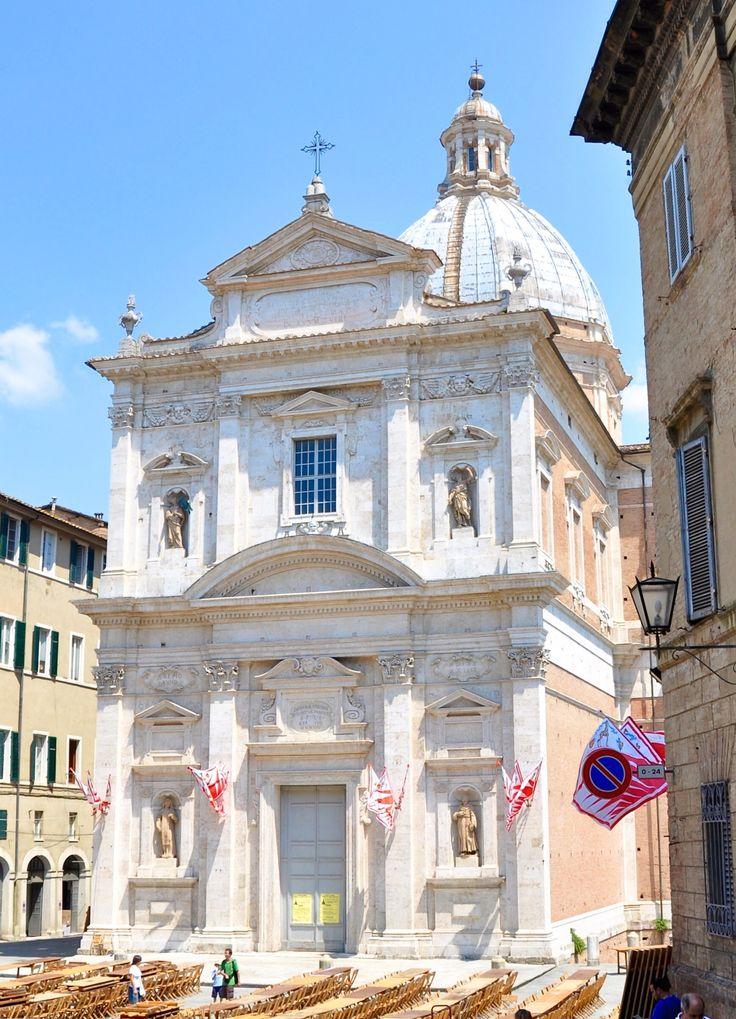 Siena: Santa Maria di Provenzano e i Colori della Giraffa