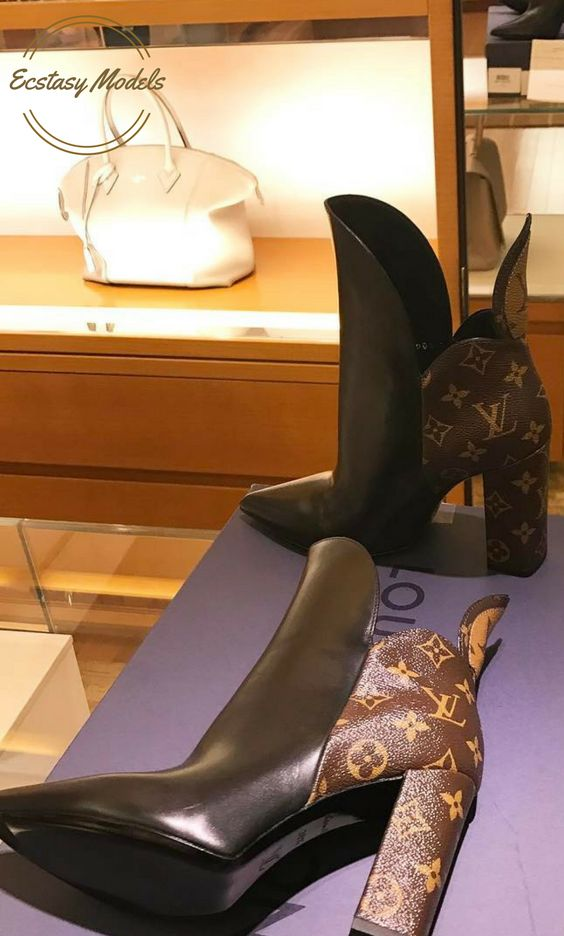 Louis Vuitton Rodeo Queen