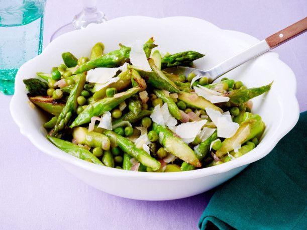 Unser beliebtes Rezept für Lauwarmer Spargelsalat und mehr als 55.000 weitere kostenlose Rezepte auf LECKER.de.