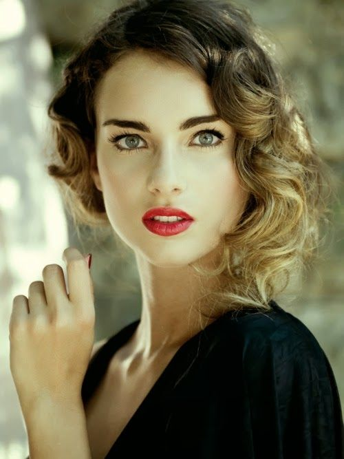 Red Lips and Ombre Hair: Modern Day Take on Old Hollywood Glamour