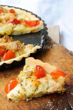 Crostata tonno, pomodori, patate, pasta brise, ricetta facile, veloce, piatto unico, antipasto, idea per pranzo, cena in poco tempo, crostata salata, torta farcita