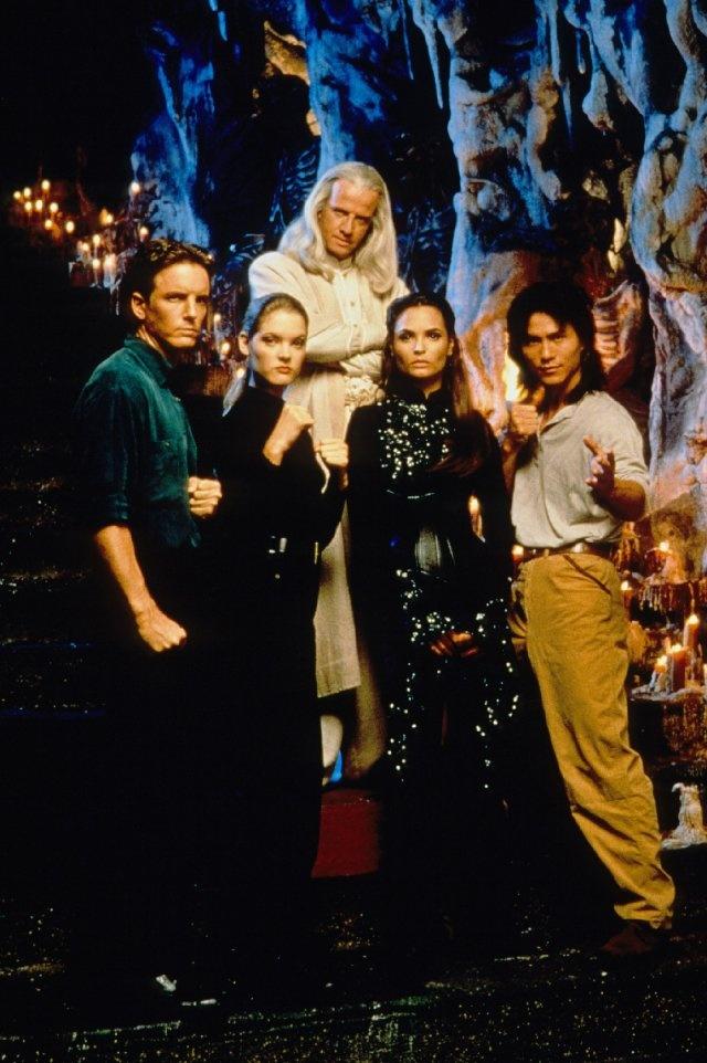 Mortal Kombat (1995) Johnny Cage, Sonya, Raiden, Princess Kitana, and Liu Kang
