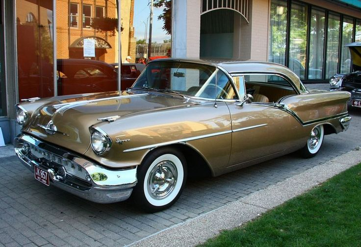 '57 Oldsmobile Super 88 J2 ... w/ factory J2 package and triple carb. Stunning.