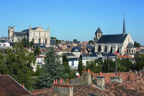 Overview of Poitiers  CRTPC2007-2013©S.Laval  http://www.holidays-france-atlantic.com