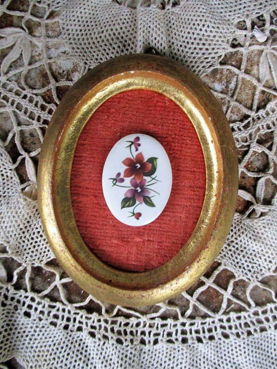 Vtg Florentine Italian Tole Wood Gold Gilt Framed Floral Flower Spray Fragonard Style Button Shabby Oval Picture Frame, Hand Made Italy