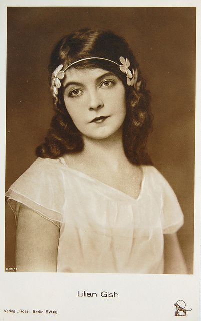 "Lillian Gish | ""She's simply terrific. She notices everythin… 