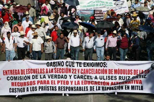 m.e-consulta.com | Sección 22 adelanta calendario escolar y desde hoy da clases | Periódico Digital de Noticias de Puebla | México 2015