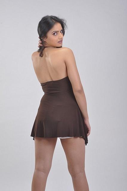 Ritu-Kaur-Hot-Stills (3)