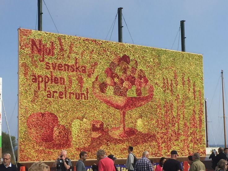 Äppeltavlan 2017  i Kivik av Emma Karp Lundström