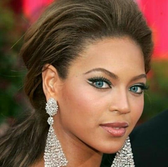 Beyonce Eyes Turn Black Beyonce blue ey...