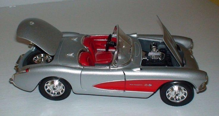 Chevrolet 1957 Corvette Convertible Bburago 1/18 Scale Diecast Collectible