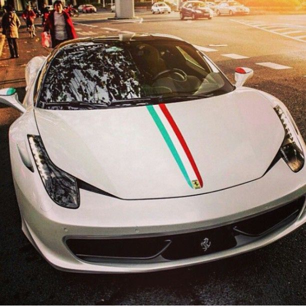 Ferrari 458 Italia with Italian flag stripes! love the tips of the wing mirror!