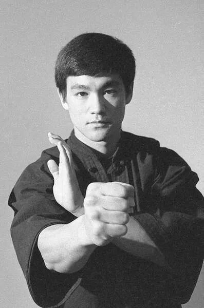 Bruce Lee ~ Fundamentals of Jeet Kune do.