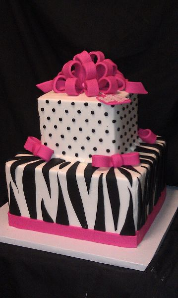 Super Cute for the tween! #quinceanera #quinceaneracake #elegantcake