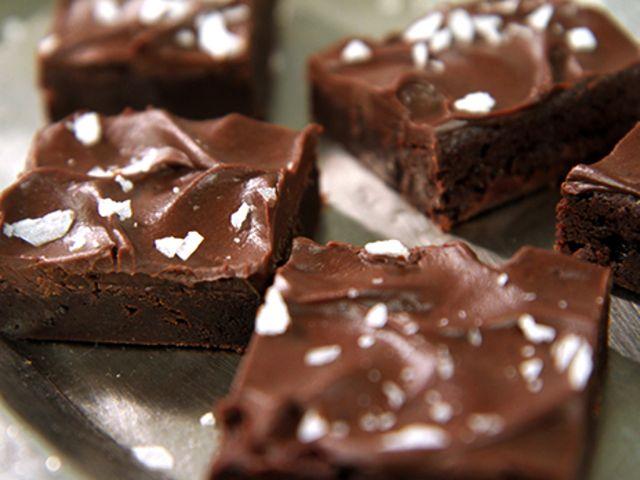 Fudge brownies (kock Roy Fares) Byt ut mjöl till glutenfritt (gärna povena), funkar fint till kladdkakor och brownies.