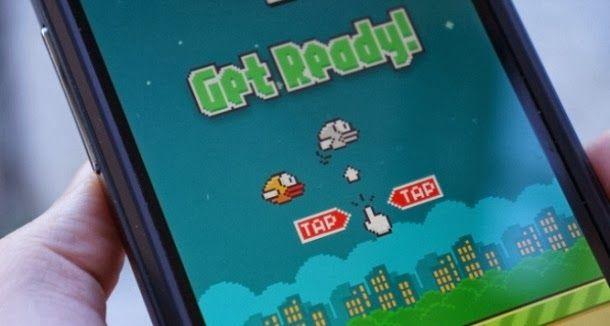 Apple e a Google estão a tentar barrar a grande quantidade de jogos semelhantes das suas lojas de aplicativos, afirma o The Verge.