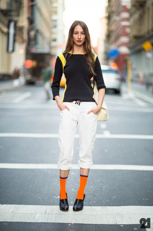 Style Snooper Dan gives her review of leg warmers and high socks
