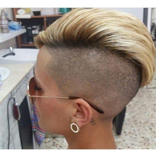 "761 Likes, 2 Comments - Felice Capelli (@boblovers) on Instagram: ""@mum.of.si #bobhaircut #undercut #carrè #sidecutstyle #bobhairstyle #rasatura #shorthair…"""