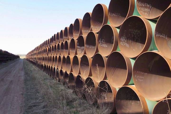 On Monday, the Dakota Access pipeline developer said that it has placed oil in the pipeline under a Missouri River reservoir in North Dakota and that it's preparing to put the pipeline into service.Advertisement Dallas-based Energy Transfer Partners made the announcement in a brief court filing with the U.S. District Court for the District of …