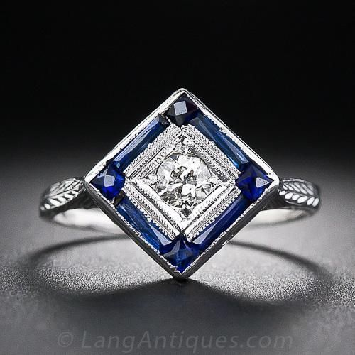 Art Deco diamond ring from the 1930s.