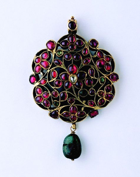 When Gold Blossoms - Indian jewelry from the Susan L. Beningson collection