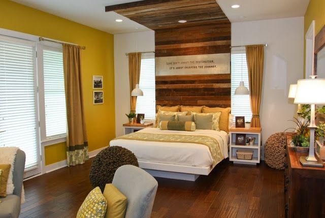 Дизайн изголовья кровати переходящего в потолок