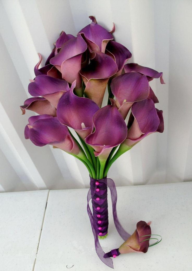 High-simulation-Wedding-flowers-brides-calla-bouquet-7-colors-are-available-38cm.jpg (1000×1408)