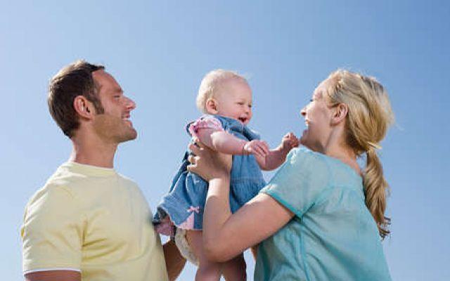 I bambini e il rapporto con i genitori ....Per essere dei buoni genitori, non c'è una regola da seguire, non esistono dei manuali che ci insegnano come fare,non vi è un si o un no, il genitore  non lo si fa, lo si è e basta.  Questo tes #genitori