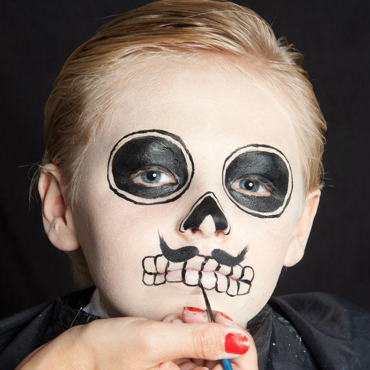 Google Image Result for http://www.halloween.de/files/2012/09/Dia-de-los-Muertos-Make-Up-Schmink-Anleitung-Junge-8.jpg