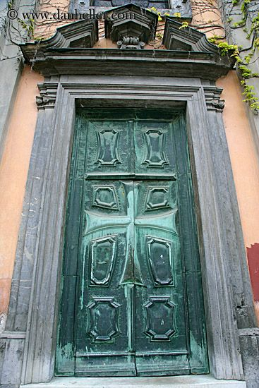 monastery-teutonic-knights-door.jpg bronze, doors, europe, images, knights, ljubljana, monastery, slovenia, teutonic, vertical