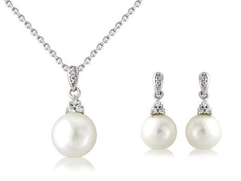 """Royal Pearl"" & ""Kate"" sterling silver pendant & earring set"