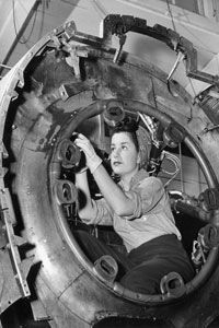 Photos of real women working in the factories accompanied the press campaign