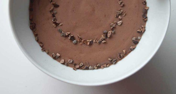 Gezonde pudding van chocolade en avocado