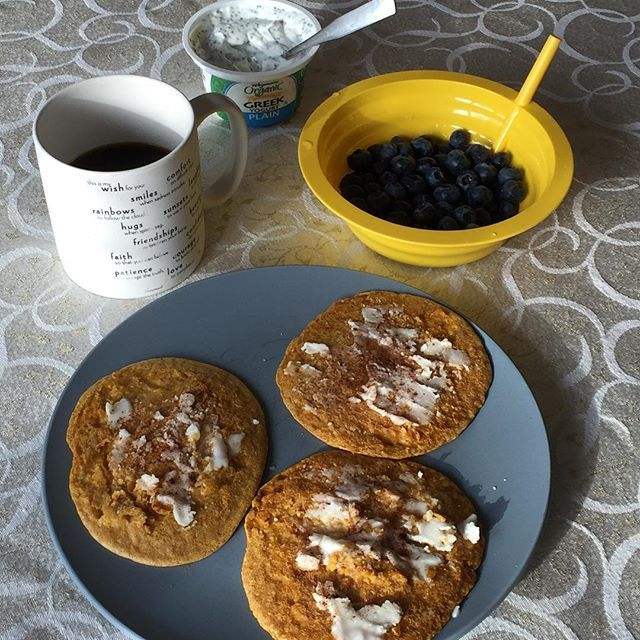Pre swim meet #breakfast! #pumpkin #oatmeal #pancakes topped with @nutiva #coconutbutter and #cinnamon, a bowl of fresh blueberries, a container of plain #greekyogurt with chia seeds, and a cup of coffee👍🏼☕️ Wish me luck!!!!😬😬😬🏊🏼🏊🏼🏊🏼